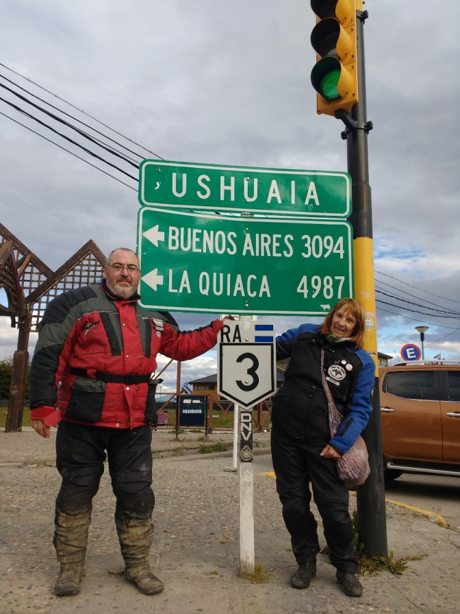 Sonia y Fernando, mamá y papá en moto