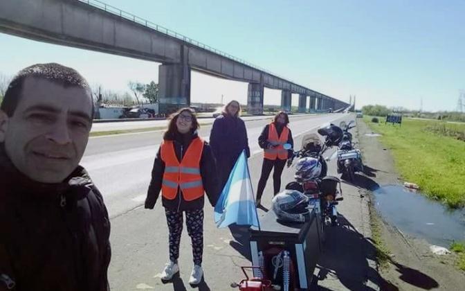 ¿Cómo te puede gustar viajar en moto?